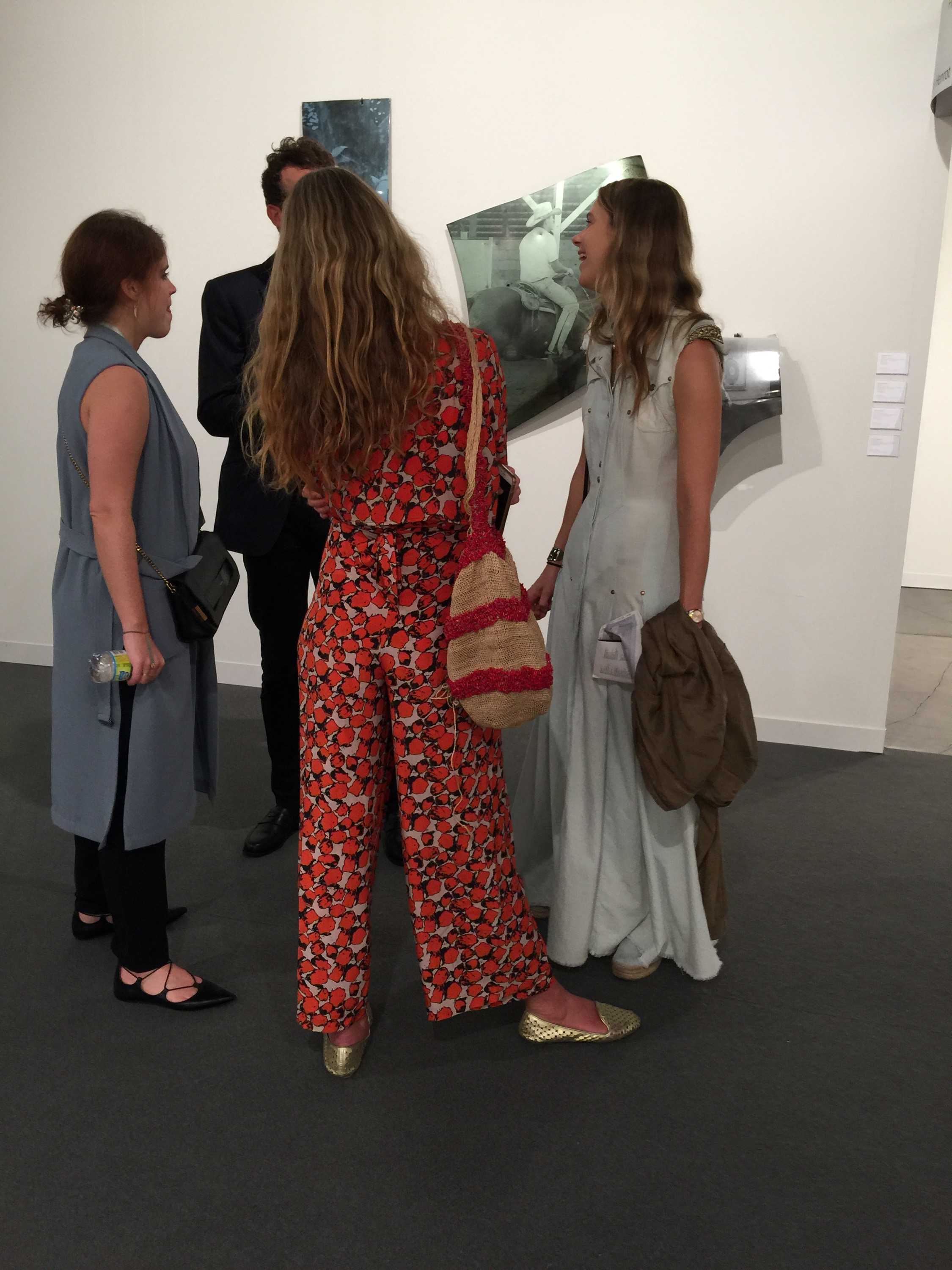 to wear - Art what exhibition to wear video